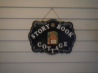 Only 14 Miles to Hershey- STORYBOOK COTTAGE
