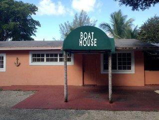 Ft. Lauderdale Boat House w/ Ocean Access RV / Hard Rock / Guitar Hotel w DOCK