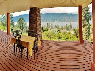 Weekly DEALS! Heart of Okanagan Centre. Minutes walk to the beach!