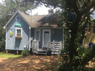 Comfy Island Cottage Located In Village Of Ocracoke For That Quiet Getaway!!