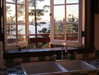 Ocean View French Country Cottage, Charming & Tranquil, Beach!