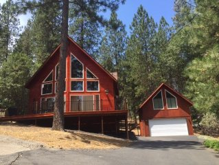 Beautiful A-Frame Chateau near lake and golf course-Close to Yosemite