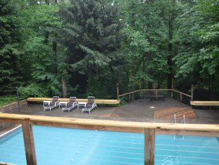 New Buffalo - private heated pool,  short walk to beach, great for groups!