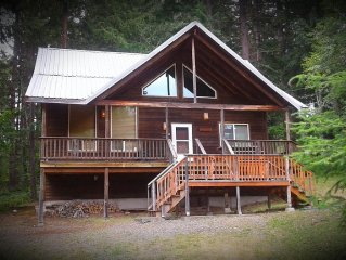 Military Discount ~ Close to Paradise * Hike & Swim * ~ Cabin/Sleeps 10