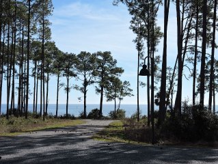 Charming Coastal Cottage with Awe Inspiring Gulf Views, Sleeps 8