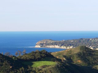 Sweeping Ocean Views from Malibu Home w/Privacy! Close to Beach! Super Reviews