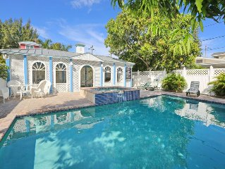 Classic Anna Maria 2 Family Home With Pool/jacuzzi And Gazebo Across From Beach