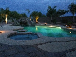Gorgeous 5 Bedroom with Rejuvenating Pool with Waterfall, Diving Board and Spa!