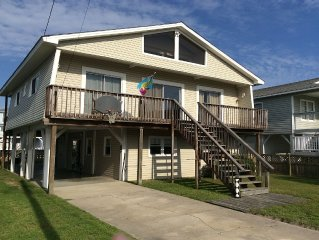 Norris Channel Cottage, Dock, Pet Friendly, 1 block to Ocean 4BR/2BA Sleeps10-12