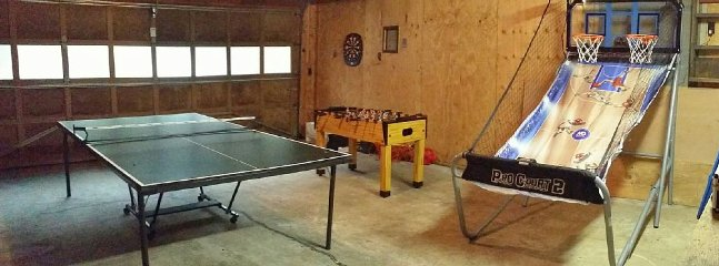 Garage/Game Room
