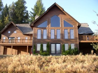 ROSE LAKE LODGE WATERFRONT: PRIVATE SANDY BEACH / HOT TUB / CENTRAL a/c