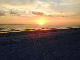 Newly renovated 3BR, 2BA condo with full Gulf view