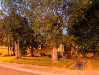 Peaceful Retreat Away from Home  in Downtown Lodi