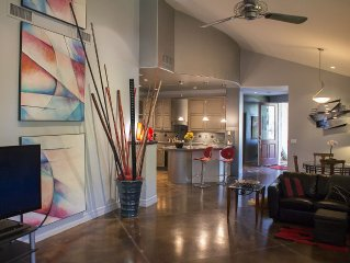 VACATION SAFELY,  STUNNING, ULTRA-CONTEMPORARY, GUESTHOUSE IN HISTORIC DOWNTOWN