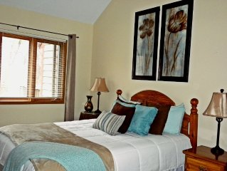 Inviting, Serene Golf Villa located within Galena Territory