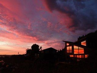 KINGFISHER BEACH HOUSE-SANDY BEACH-WEST-FACING WATERFRONT