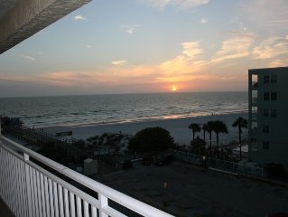 Beachfront! Roomy Condo, Pool Onsite, Steps Away From The Beach!