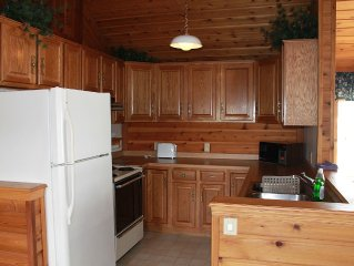 Charming Lake-front Cabin between Cable & Hayward, near CAMBA & Birkie trails