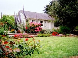 Mendocino Village Romantic Cottage