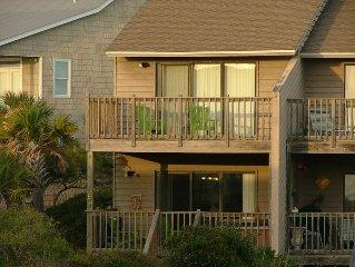 Gulf Front Home /Sleeps 5/Priv-Beach Xcess