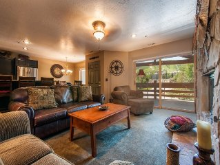 All Seasons Park City Platinum Rated - 2BR Sleeps 8, Walk to the Slopes