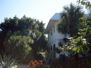 Enchanting  North Hideaway  400' from Gulf Beach Free Cancellation Open Dates
