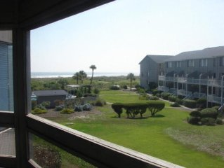 Ocean View, Wireless Internet, Pool in Sight, Hunting Island Pass!