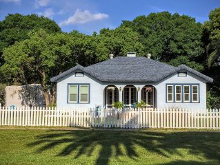 Charming 1928 Beach Bungalow with Golf Cart, Kayaks and Bikes