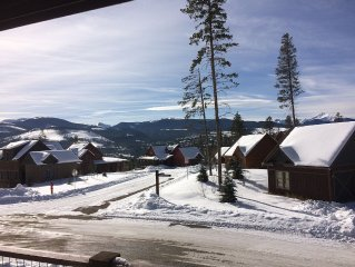 Mtn Cabin With Amazing Views, Hot Tub, Sleeps 8 adults, 10 with kids.