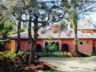 Charming Guest House in Plantation