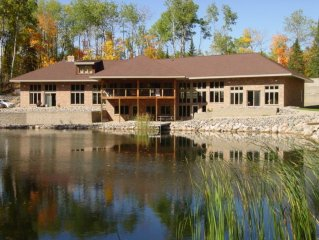 20% OFF in MARCH! Luxury Lodge W/Sauna*Pool & PingPong*Fireplace*Wifi*Bar&Grill!