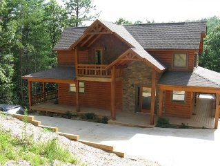 Mountain Retreat - Hot Tub, Wifi, Fireplace, Pool