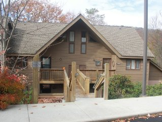 Just Steps from the Slopes!!! Quiet Condo in the Heart of Wintergreen!