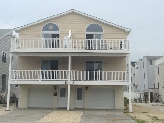 Renovated Sea Isle City Townhouse - Families only