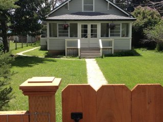 Renovated 4 bedroom cottage style home in downtown Ennis.