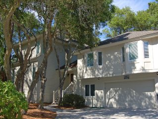 6 Bedroom/5 Bath House - Steps to Beach - Walk to Everything!