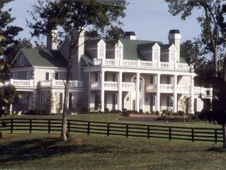 Beautiful Estate Only Minutes From Nashville