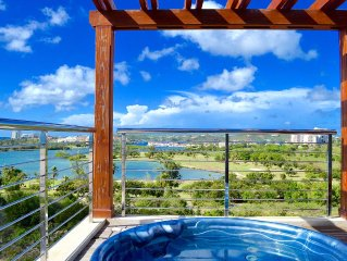 Penthouse- Private Jacuzzi, panoramic ocean view, walking distance to the beach