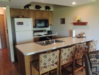 Woodsy Bear Theme condo NO STEPS close to SDC LOW SEASONAL RATES NOW