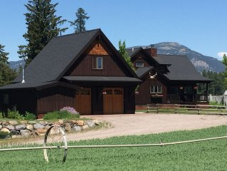 Peaceful executive home close to Glacier National Park