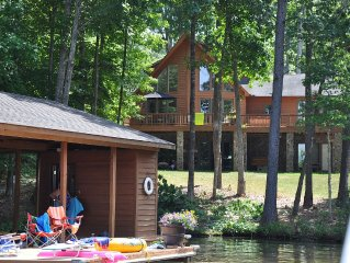 5 Bedroom Lakehome Sleeps 18 With 14 Ft. rowboat, Ping Pong,  Foosball & Firepit