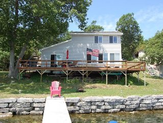 Beautiful On The Waterfront Cottage