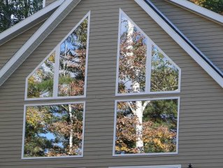 A Modern & Luxurious Adirondack Retreat. 5 mins to Gore Mountain & Hudson River