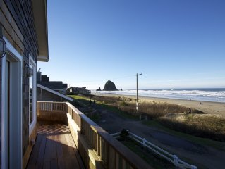 OCEANFRONT Cannon Beach Home - Spectacular central location and views!