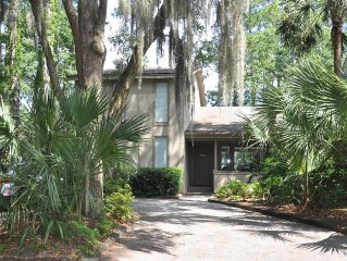 Charming Private Home with Great View - Walk to Harbour Town, Golf, Tennis, Swim