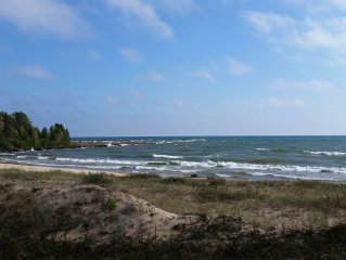 225' Private Lake Mich Beach, Central AC, No Neighbors 200+ft kayaks,bicycles,
