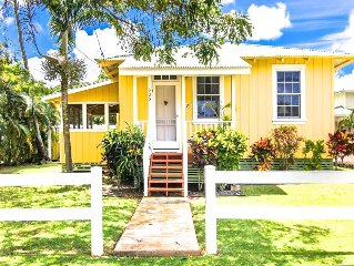 Delightfully Renovated Plantation Cottage Steps from Poipu Beach and Brennecke's