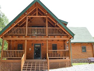Spacious Custom Log Home Overlooking Dale Hollow Lake