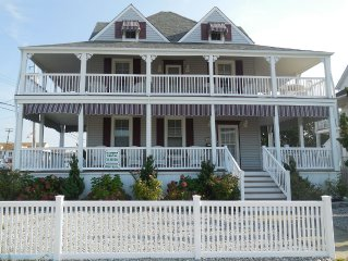 Great Family Getaway! Two short blocks to the boardwalk.