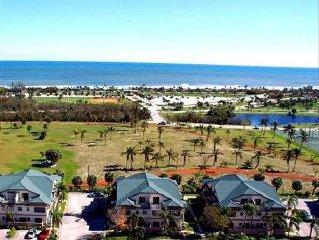 Bella Vista on the Park-Walk to Beach! 3 Bd Luxury Villa!
